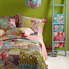 Bedroom: Quilted Bedspreads With Ladder And Green Paint Walls Also ... & quilted bedspreads with ladder and green paint walls also wooden flooring  for modern bedroom design Adamdwight.com