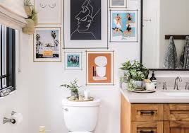 15 bathrooms with beautiful wall decor
