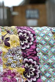 6 Tips on How to Stage Your Quilt for Eye-Catching Photos & Cherry Pie Quilt by Lindsay Sews Adamdwight.com