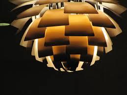 Unique lighting designs Iridescent Fileunique Lighting At Mayo Clinicjpg Center Tables Fileunique Lighting At Mayo Clinicjpg Wikimedia Commons