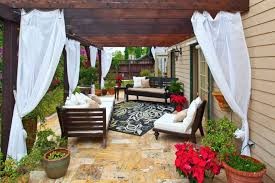 curtain call the guide to pergola curtains from outdoor patio curtains for garden and lawn decoration source shadefxcanopies com