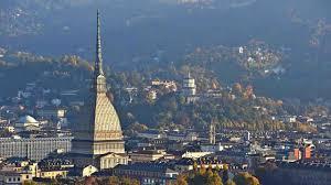 Meteo Torino oggi lunedì 6 gennaio: nubi sparse