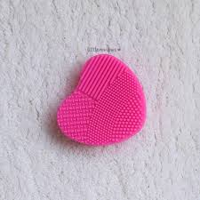 silicone makeup brush cleaner. nykaa buffmaster silicone makeup brush cleaner review silicone makeup brush cleaner k