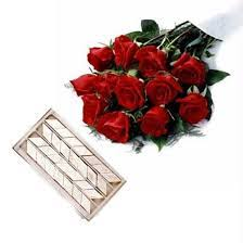 1 2kg kaju roll and bunch of 10 red roses