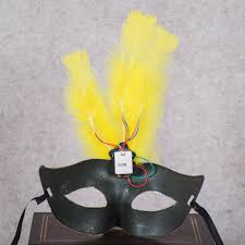 Mask Decorating Supplies 100pcslot Multi Color Halloween LED Feather Mask Party Flash Mask 60