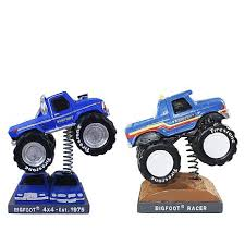 discovery bigfoot monster truck and racer bobblehead 2 d 20181026130053797 616525 jpg