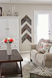 use a few wooden boards to create cozy and warm arrow shaped decor