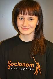 Jonna Lindberg är en socionomstudent som lyckats få tidskriften LitteraturMagazinet Jonna Lindberg att upplåta plats för hennes bloggande. - jonna-lindberg