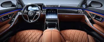 El mbux está también disponible para la segunda fila , porque en muchos casos es allí donde se sientan los ocupantes más importantes, principalmente en china y estados unidos, ya sea el ceo de una empresa, un golfista. 2021 S Class Sedan Future Vehicles Mercedes Benz Usa