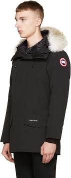 Canada Goose Black Down   Fur Langford Parka A classic and elegant design  with plain details. 2 Large size pockets on the front and the rest is  concelead ...