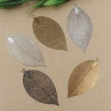 gold color big leaf pendant