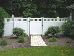 Vinyl privacy fence White Vinyl Privacy Fence By Elyria Fence For The Elyria Fence Company Vinyl Good Neighbor Privacy Fence With 2x2 Lattice Topper By Elyria