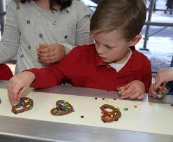 standard kids conveyorbelt pretzels
