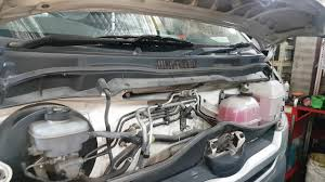 Buying a used Toyota Hiace Toyota Hiace 2007 problems radiator oil ...