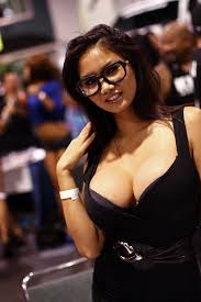 Teen babe asian cleavage
