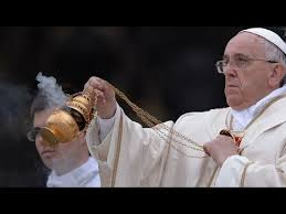 Resultado de imagen para incensario con humo incienso por el papa francisco
