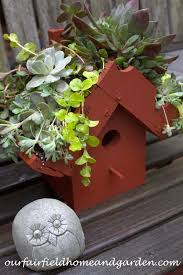 green roof birdhouse ourfairfieldhomeandgarden com diy easy greenroof