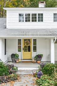 front door curb appeal5 Curb Appeal Tips
