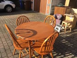 round dining table with 2 2 chairs