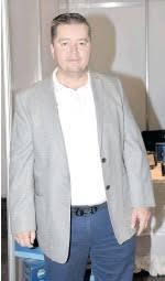 Marco Aurelio Chávez Huerta, gerente y asesor comercial del Grupo Miscelec  - PressReader