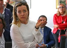Com'è che Giorgia Meloni è diventata la «macchietta» della destra