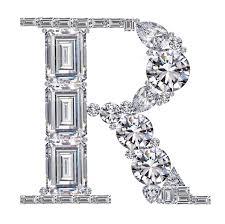 ダイヤモンドで作ったアルファベット 大文字 R25695000850の写真素材