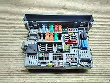bmw 3 series fuses fuse boxes bmw 3 series e90 320 d 2005 fuse box 10688710
