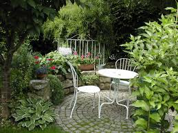 patio garden ideas. If You Are Near A Natural Growth Of Trees, Can Place Your Small Garden Patio Ideas
