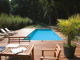 Terrasse Mauerscheiben Und Holz Pool Im Garten Holz Kunstrasen Garten