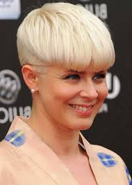 Mushroom Hairstyle 98 Amazing Trendy Short Blonde Bowl Cut Mushroom Haircut For Women