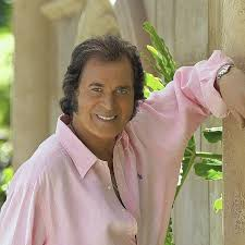Find the perfect engelbert humperdinck singer stock photos and editorial news pictures from getty images. King Of Romance Engelbert Humperdinck Still Wooing Audiences Los Angeles Times
