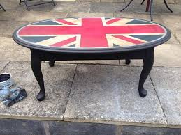 painted furniture union jack autumn vignette. Kelly Tomlin And Her Perfect Oval Union Jack Table, Painted With Annie Sloan Chalk Paint Furniture Autumn Vignette D