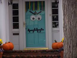 Good Looking Idea For Halloween Door Decoration Idea : Killer Front Porch  Decoration Using Single Light ...