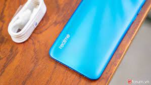 Mở hộp Realme C3: Cảm giác cầm nắm tốt, pin khủng nhưng không có sạc nhanh