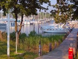 f dock
