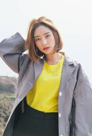 7 Model Rambut Ala Korea Untuk Si Wajah Bulat Spice