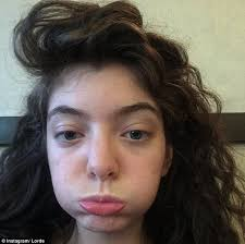 lorde without makeup selfie