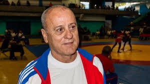 Destaca entrenador cubano los tres cupos de la lucha femenina a ...