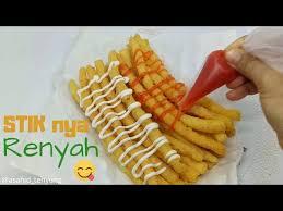 Langsung saja yuk kepoin resep camilan stik kentang keju yang dikutip dari akun instagram @resepcamilan 3. Cara Buat Stik Kentang Keju Yang Renyah Krispy Youtube