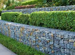 retaining wall installation cost in