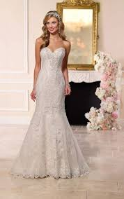 fit and flare strapless wedding dress i stella york wedding gowns