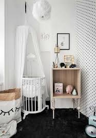 O quarto de bebê preto e branco não é o estilo de decoração mais tradicional para esse ambiente, no entanto, pode ter certeza que se você investir nesse tipo de projeto você terá um quarto de bebê preto e branco moderno. Quarto De Bebe Menino 90 Ideias De Decoracao Masculino Para 2021