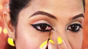 wear eyeliner eye makeup tutorial