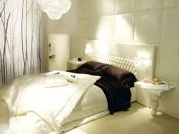 Camera Da Letto Beige E Marrone : Le applique camera da letto luce e design