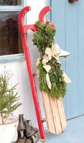 you can dress this diy wooden sled up in a bunch of ways to add a little vintage touch without the vintage tag to your decorations either