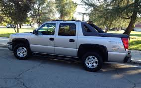 2004 Chevrolet Avalanche - Information and photos - ZombieDrive
