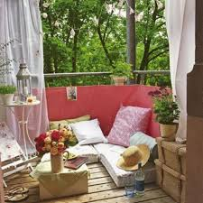 Decorating: Small Boho Chic Balcony Set - Romantic Balcony