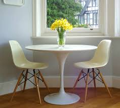 Tulip Table, 28