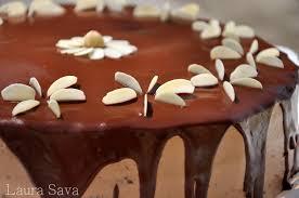 ornare tort de ciocolata