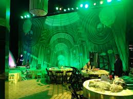 Wizard Of Oz Party Decorations 1000 Ideas About Emerald City Party On Pinterest Emerald City